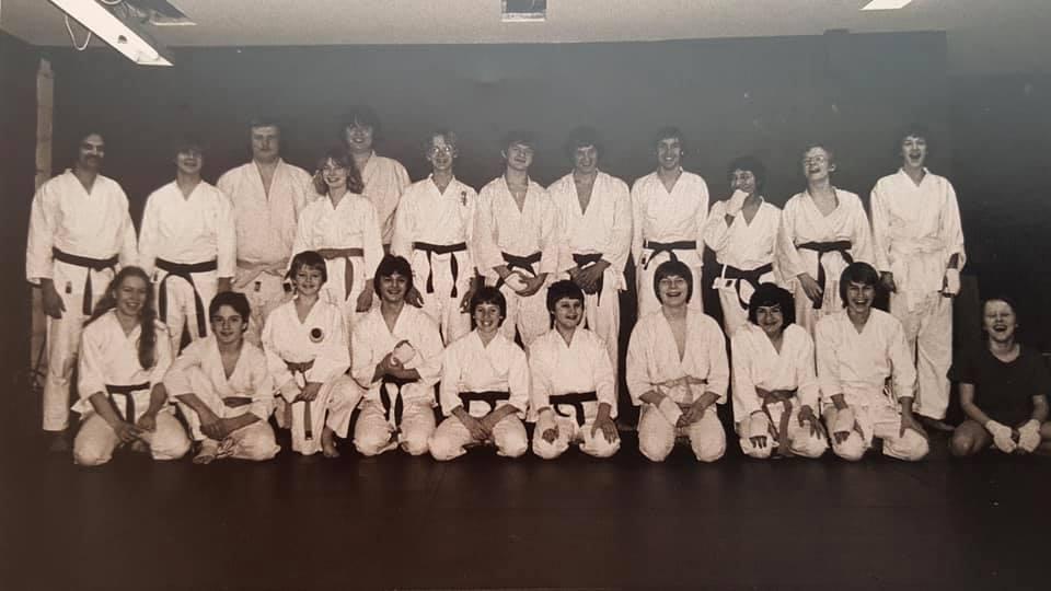 Jesper sensei i midten bagerste række